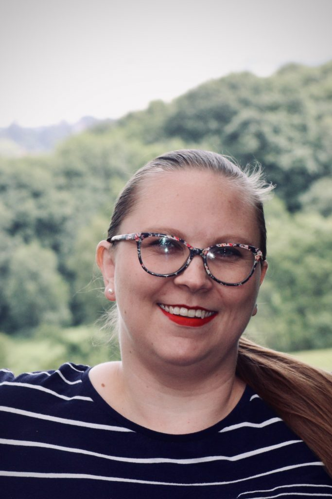 Nikki Knight professional copy editor and proofreader